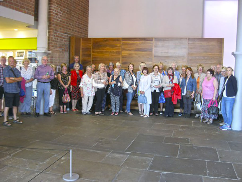 group of merseyside and southport artists, on art course